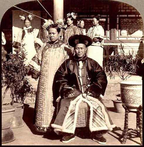 Manchu bride and groom 1900 by James Ricalton via Okinawa Soba at Flickr