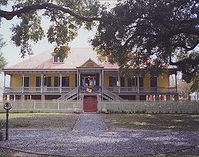 Laura Plantation in Louisiana -built in 1804-5 - photo by Infrogmation via Flickr