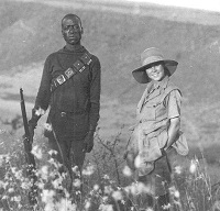 Osa johnson and tracker Boculy - brother to the elephants - Kenya in the 1920s
