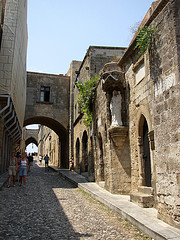 Rhodes - city of Rhodes - old town - photo by Shadowgate via Flickr