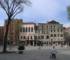 Campo di Ghetto Nuovo - Venice - photo by Joshua King via Flickr - Attribution-NonCommercial 2.0 Generic
