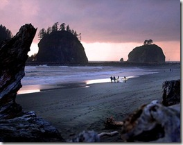 Beach at La Push at twilight - Washinton State - USA - photo by VancityAllie via Flickr