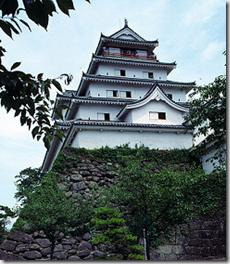 Wakamatsu ie Tsuruga Castle - Aizuwakamatsu - Japan - image by Frank Fg2 Gualtieri via Wikimedia Commons