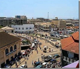 Market at Makola Circle in Accra - Ghana - photo by Standard Chartered Graduates via Flickr CC BY 2.0